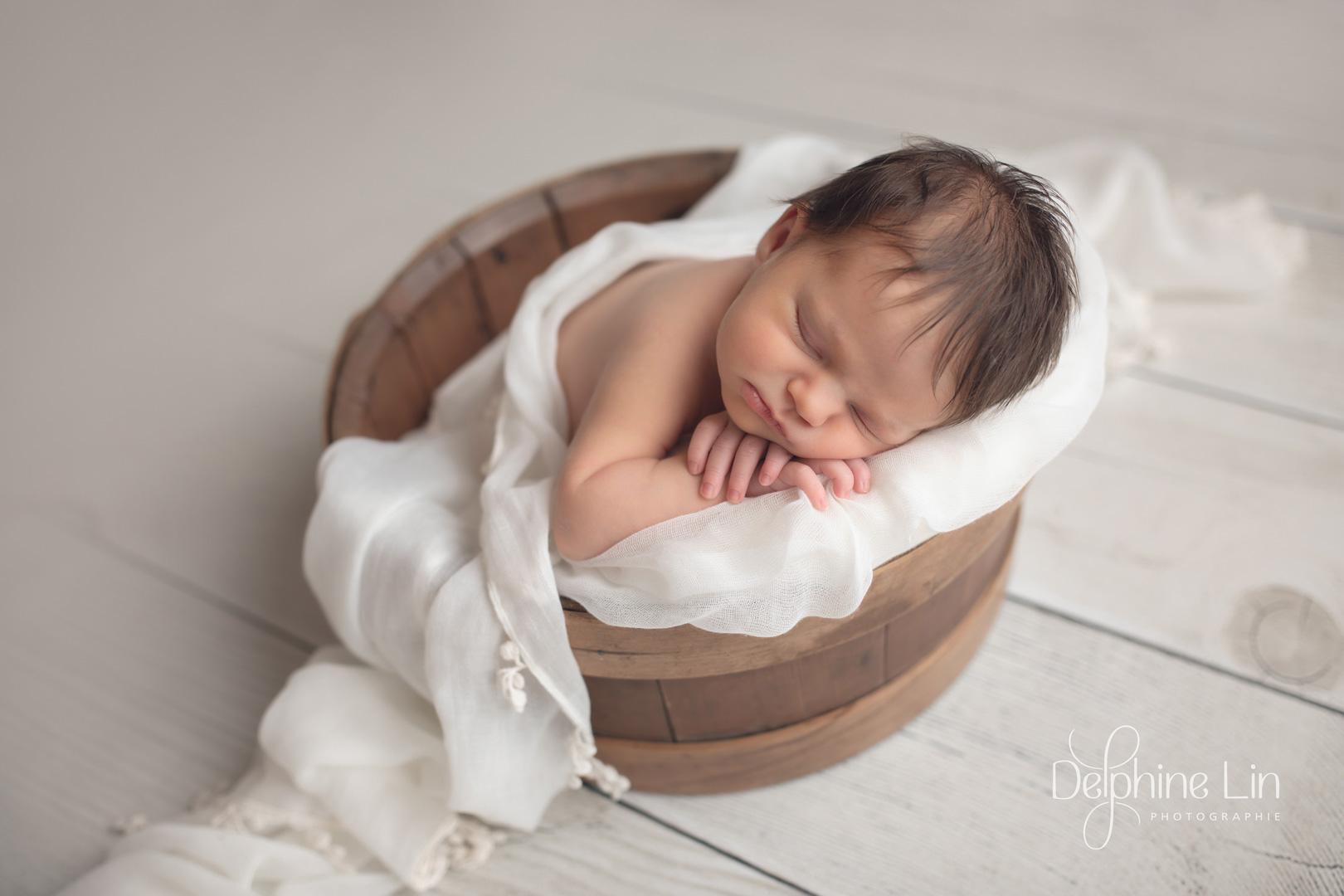 Delphine Lin Photographie nouveau-né posing