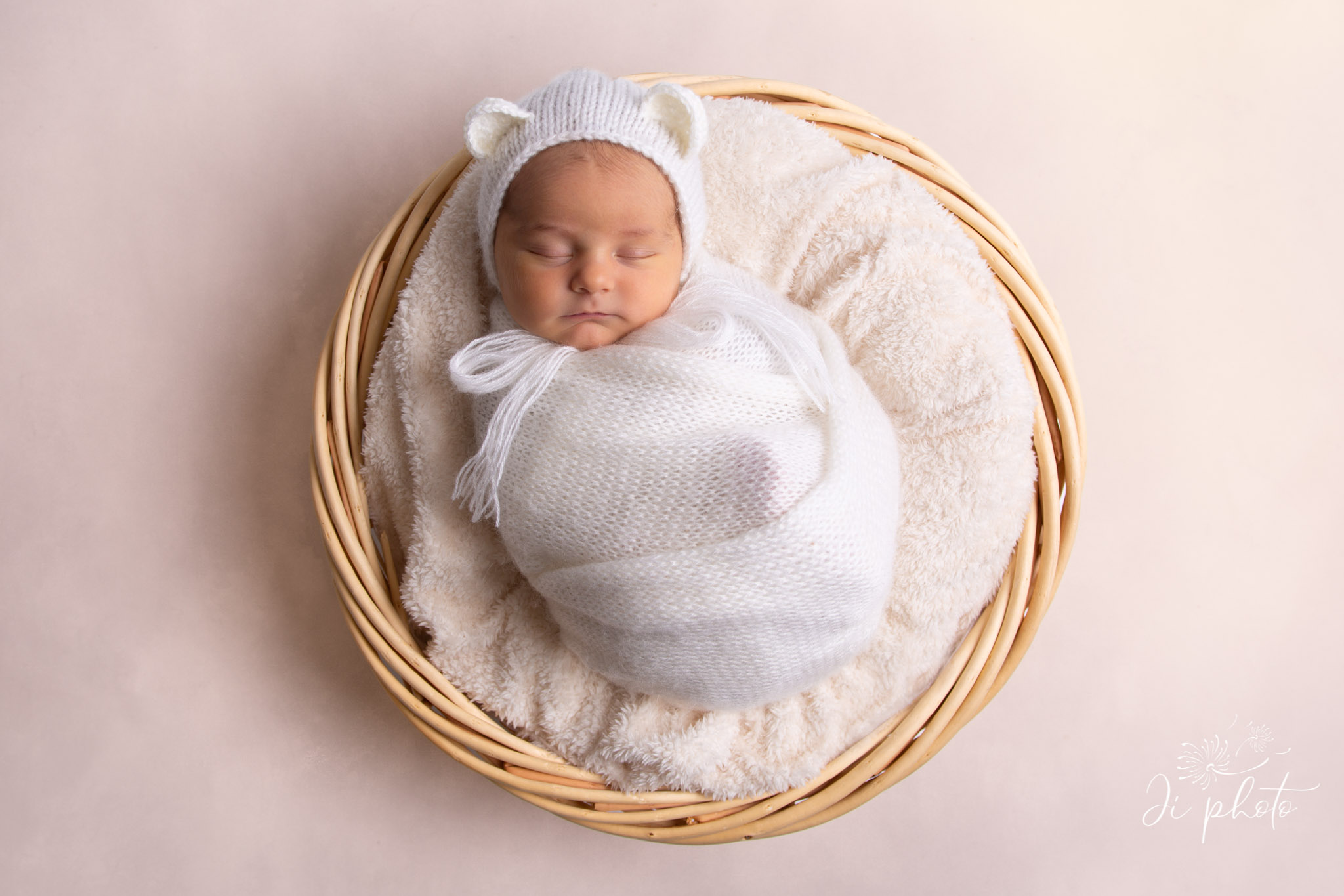 photographe-ji-photo-lausanne-newborn-bebe-nouveau-ne-006